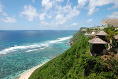 Opinião bonita do hotel da praia, Oceano Índico, Bali imagens de stock