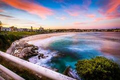 Opinião bonita do por do sol na praia de Bondi Foto de Stock