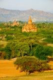 Opinião cênico da paisagem de templos antient no nascer do sol, Bagan, Myan fotografia de stock royalty free