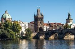 Opinião cênico do verão Rio Vltava praga República checa Fotos de Stock Royalty Free