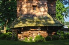 Opinião cênico a mãe de madeira do católico grego da igreja do deus, UNESCO, Chotyniec, Polônia imagem de stock royalty free