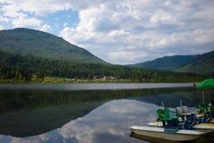 Opinião calma do lago Imagem de Stock