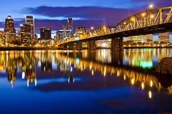 Opinião colorida bonita da noite de portland Fotos de Stock Royalty Free