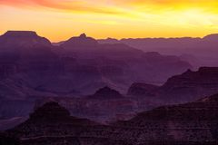 Opinião colorida da paisagem do nascer do sol no Grand Canyon Imagem de Stock Royalty Free