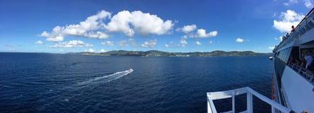 Opinião da água da ilha Imagens de Stock Royalty Free