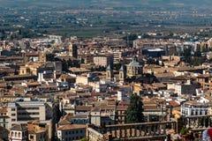 Opinião da arquitetura da cidade de Granada na Andaluzia, Espanha fotografia de stock royalty free