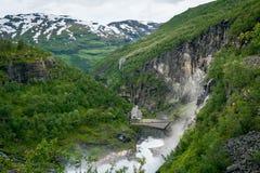 Opinião da cachoeira de Kjosfossen do ponto superior noruega Fotografia de Stock Royalty Free