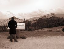 Opinião da cidade de Atenas do monte de Philopappou fotografia de stock