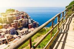 Opinião da cidade de Manarola em Cinque Terre fotografia de stock royalty free