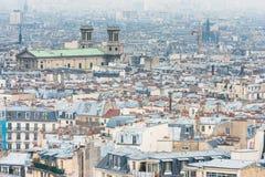 Opinião da cidade de Paris da basílica do coração sagrado fotos de stock