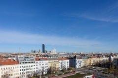 Opinião da cidade de Viena com centros velhos e novos Fotografia de Stock Royalty Free