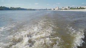 A opinião da cidade do barco filme