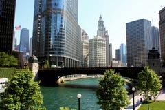 Opinião da cidade do rio de Chicago Imagens de Stock Royalty Free