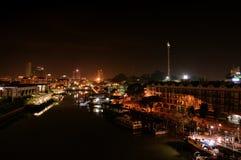 Opinião da cidade da noite de Malacca, Malásia fotografia de stock royalty free