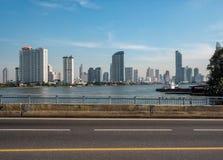 Opinião da cidade da ponte imagens de stock royalty free