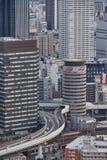 Opinião da construção do céu de Umeda Osaka, Japão 2017 imagens de stock