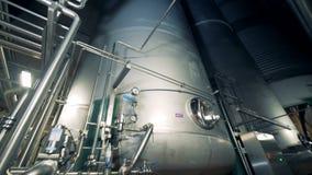 Opinião da desvantagem de cartuchos industriais maciços da fabricação de cerveja filme
