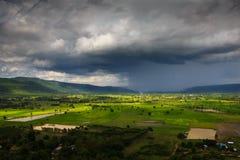 Opinião da estação das chuvas das montanhas do ponto culminante Doi Suthep 2 Imagens de Stock