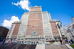 Opinião da fachada de Edificio Espana em um dia de mola ensolarado no Madri Imagem de Stock Royalty Free