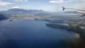 Opinião da janela do avião Fotos de Stock Royalty Free