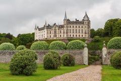 Opinião da luz do dia do castelo de Dunrobin, escocesa Foto de Stock Royalty Free