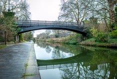 Opinião da manhã do canal dos regentes, Londres Fotos de Stock Royalty Free