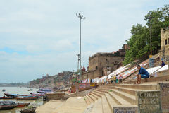 Opinião da manhã no ghat em Varanasi Imagens de Stock