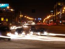 A opinião da noite da avenida vermelha fotografia de stock royalty free