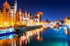 Opinião da noite da cidade velha de Gdansk, Polônia foto de stock