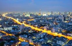 Opinião da noite da cidade de Banguecoque da paisagem imagem de stock royalty free