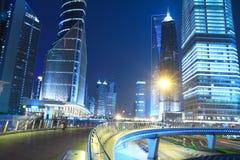 Opinião da noite da cidade de Shanghai bonita Fotos de Stock Royalty Free