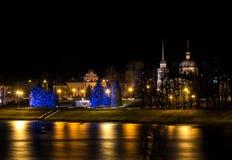 Opinião da noite da cidade Tver imagens de stock