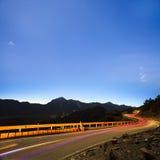 Opinião da noite da montanha alta Fotos de Stock