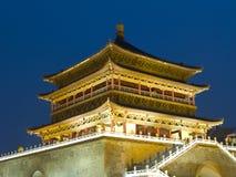 Opinião da noite da torre de Bell em Xian fotos de stock royalty free