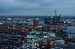 Opinião da noite de Hamburgo Fotos de Stock Royalty Free