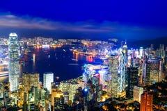 Opinião da noite de Hong Kong Victoria Harbor fotografia de stock