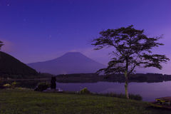 Opinião da noite de Mt Fuji Fotos de Stock Royalty Free