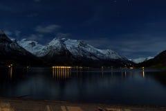 Opinião da noite de Noruega imagens de stock