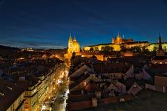 Opinião da noite de Praga fotos de stock royalty free
