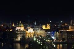 Opinião da noite de Praga imagem de stock