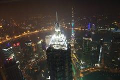 Opinião da noite de Shanghai Fotografia de Stock