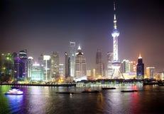Opinião da noite de Shanghai, China Fotos de Stock Royalty Free