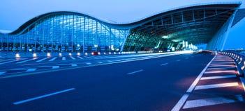 Opinião da noite do aeroporto Imagens de Stock Royalty Free