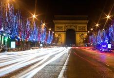 Opinião da noite do Champs-Elysees Fotografia de Stock