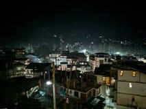 Opinião da noite do inverno em Manali imagem de stock