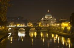 Opinião da noite do Vaticano roma Fotos de Stock Royalty Free