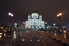 Opinião da noite na catedral da manjericão de Saint em Moscovo, Rússia Fotografia de Stock