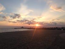 Opinião da noite na praia de StKilda Fotografia de Stock Royalty Free