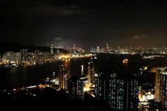 Opinião da noite no pico do ` s do diabo, Hong Kong imagem de stock