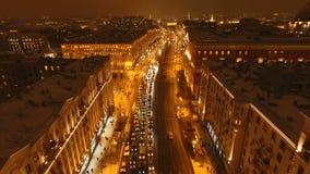 Opinião da noite da rua de Tverskaya no inverno video estoque